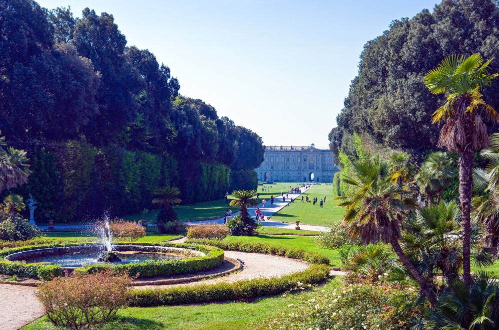 "Perhaps the most integral aspect of this Palace's majesty and beauty is its park, composed of numerous fountains and waterfalls. The park is a typical example of an Italian garden, landscaped with vast fields, flower beds and, above all, a triumph of ""water games"" or dancing fountains. – © Gimas / Shutterstock"