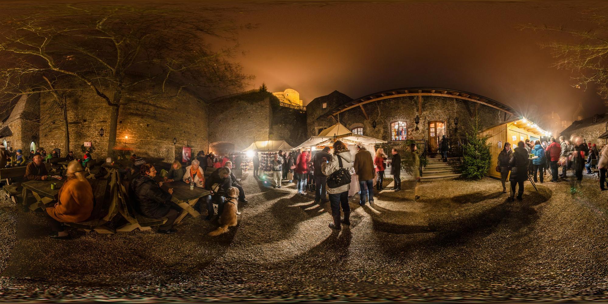 The Christmas market in November is an annual highlight at Aggstein. – © Sebastian Weg-Erbauer / Schlossgut Schönbühel-Aggstein