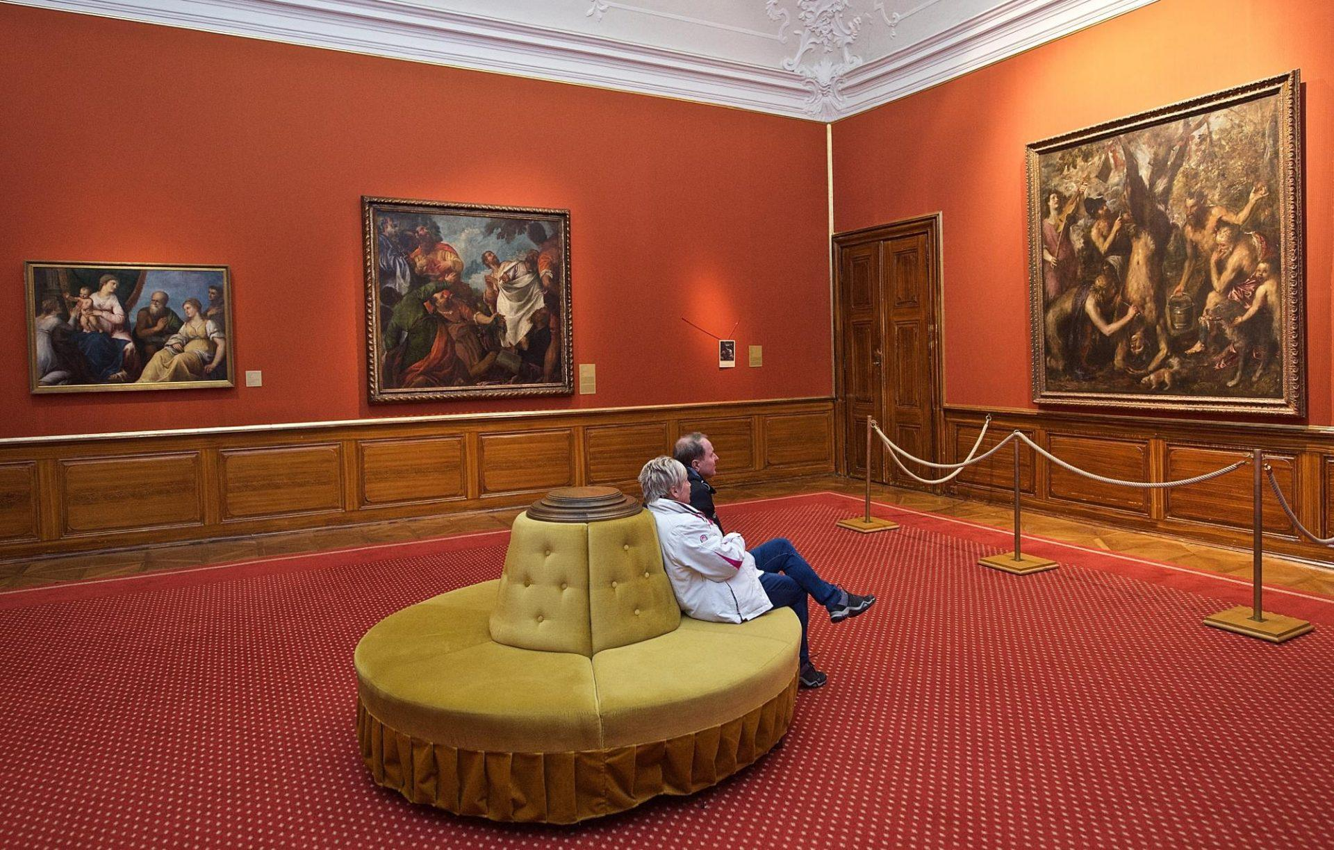 You can just sit there and relax in front of one the most precious paintings in the Czech Republic. – © Markéta Ondrušková