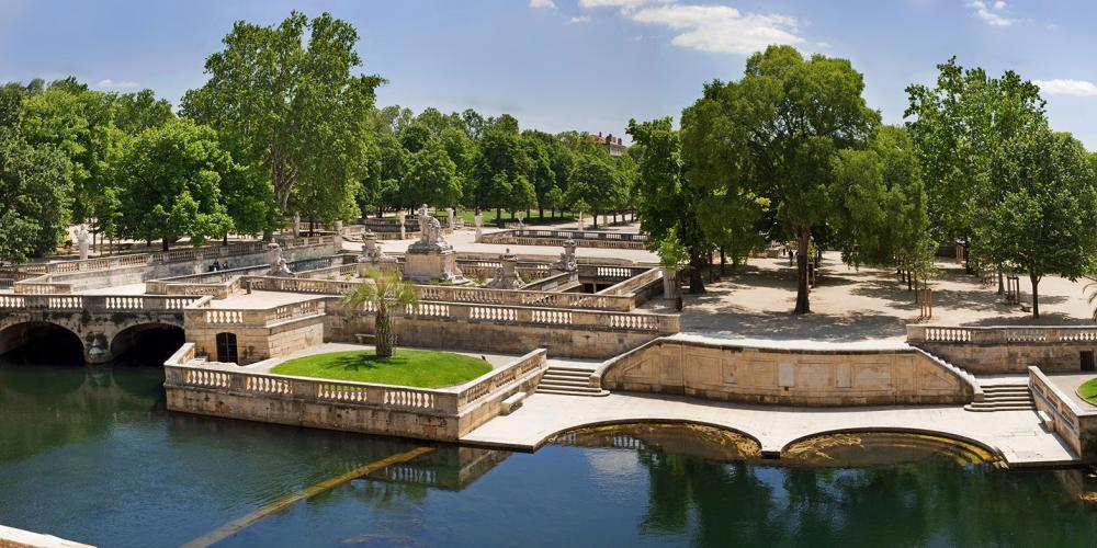 The gardens of the fountain in Nîmes. – © O. Maynard / Office Tourisme Nîmes