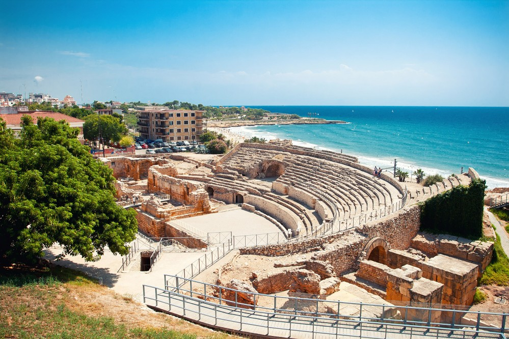 The Roman Amphitheatre of Tarragona was used for entertainment, including fights between gladiators and against wild beasts, as well as public executions. – © Veronika Galkina / Shutterstock