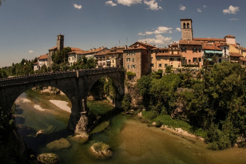 The Devil's Bridge derives its name from a popular legend where the devil itself built it in one night in exchange of the soul of a citizen of Cividale. – © Ulderica da Pozzo / PromoTurismoFVG