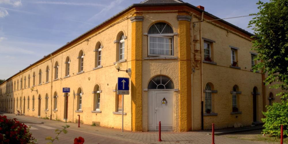 Logements restaurés pour mineurs construits par la compagnie minière dans les années 1830. – © Davidh820 / Wikimedia Foundation