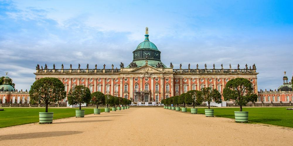 The New Palace is the last royal residence Frederick the Great would have built in his park. It was a demonstration of the Prussian state's undiminished power and wealth following the deprivations of the Seven Years' War (1756–63). – © Jrossphoto / Shutterstock