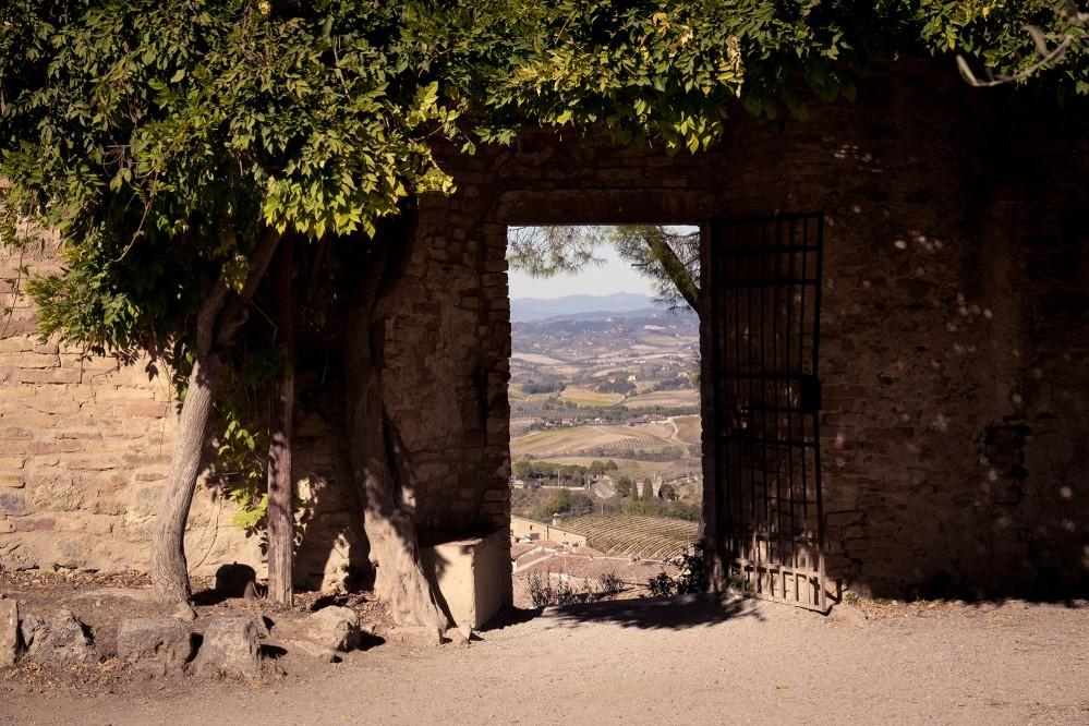 Rocca de Montestaffoli permet des vues du centre historique à couper le souffle, avec ses tours uniques et sa campagne environnante. – © Andrea Miserocchi / Italian Stories