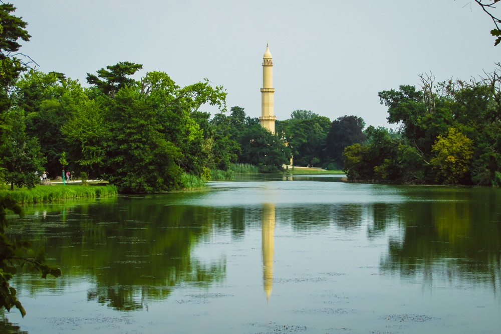 View of the minaret from across the lake. The Lednice-Valtice Cultural Landscape is spread over the site of a mighty 12th century border castle. – © Katka Mahdakova / Shutterstock