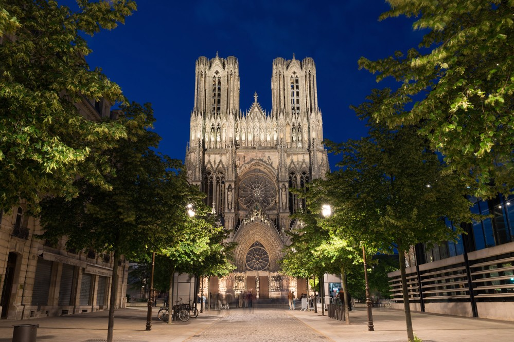 The famous Notre-Dame de Reims at twilight is worth a visit to the region all by itself. – © Natalia Bratslavsky / Shutterstock