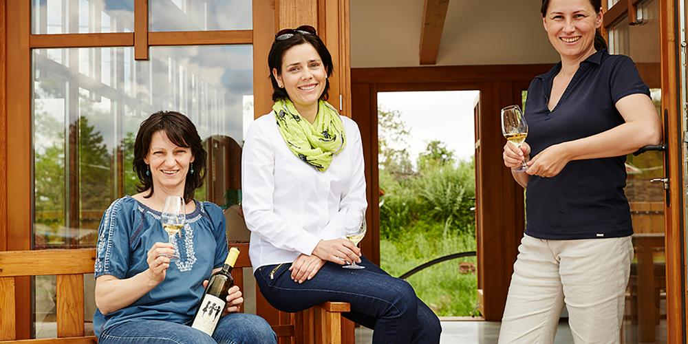 Stephanie Berecz, Sarolta Bárdos and Judit Bodó (from left to right) joined together and created an excellent wine under the name of Three Graces, which has been an unbroken success for years. – © Ferenc Dancsecs