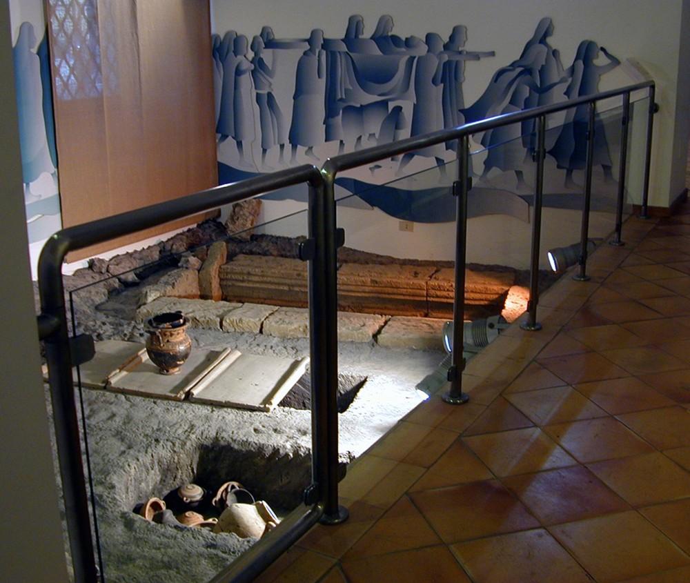 Reconstruction of the necropolis of Calatia at the Archaeological Museum of Ancient Calatia, – © Archivio Polo Museale della Campania