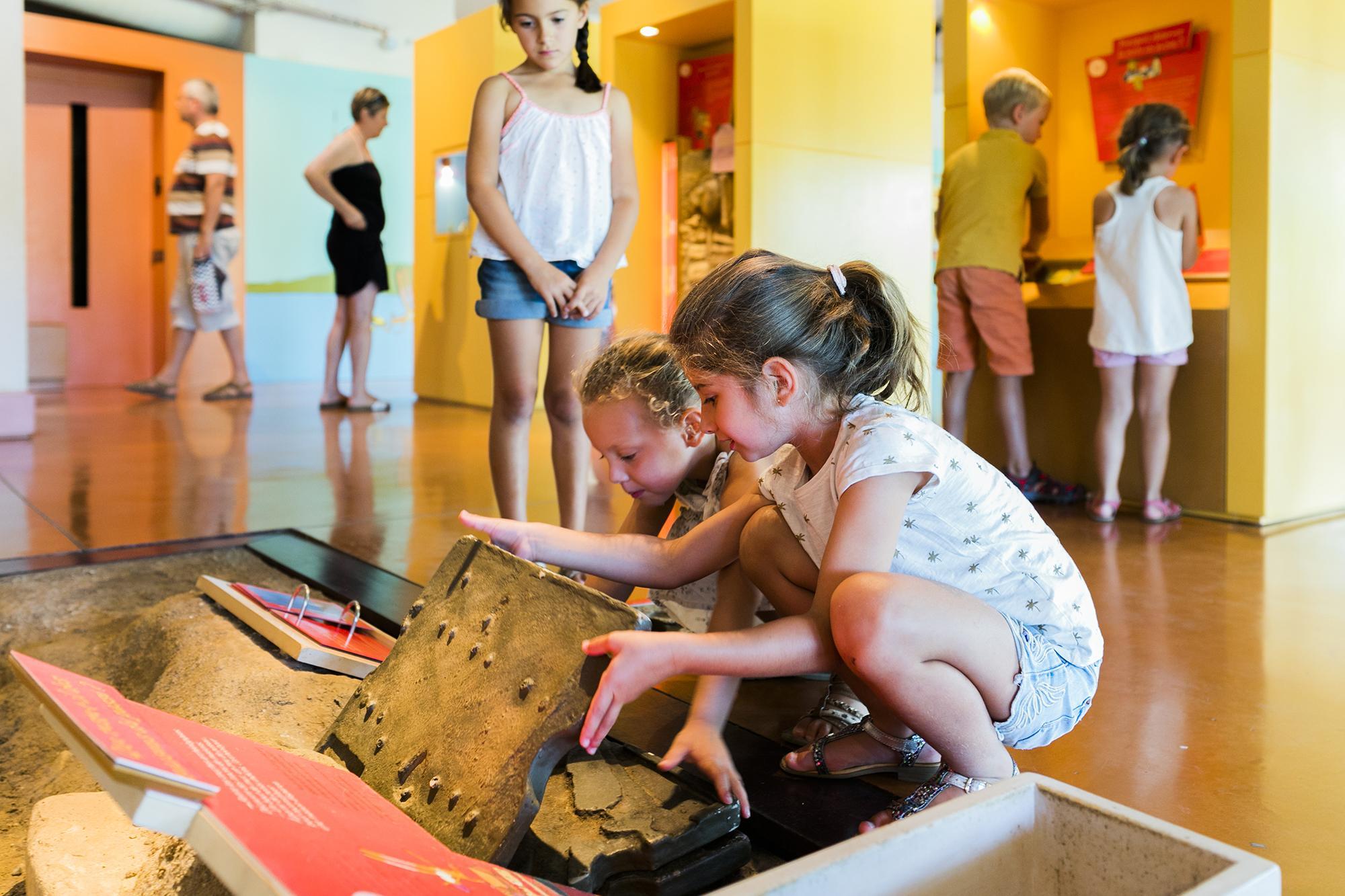 Côté culture, les enfants peuvent se faire archéologistes et explorer et découvrir le passé. - © Aurelio Rodriguez