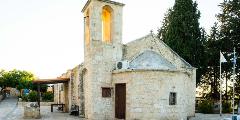 The Church of St. Kelandion in Pano Arodes. – © Michael Turtle