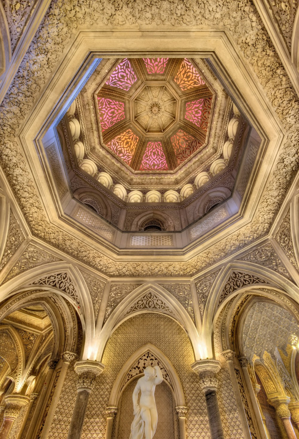 The Palace of Monserrate is delicately decorated in a style that combines Gothic and Indian influences with Moorish touches. – © PSML / EMIGUS