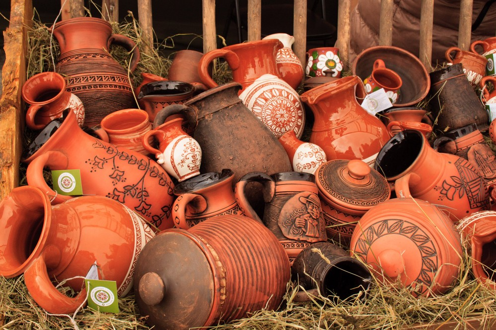 Guests are invited to participate in the pottery workshop in Vilnius. – © www.vilnius-tourism.lt