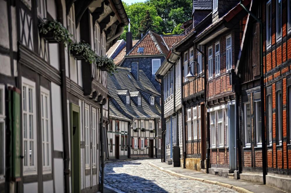 Plus de 1500 maisons à colombages de différentes époques, parfaitement conservées, sont situées dans le centre de la vieille ville pittoresque de Goslar et dans l'ancienne enceinte de la ville. – © Stefan Schiefer / GOSLAR marketing gmbh