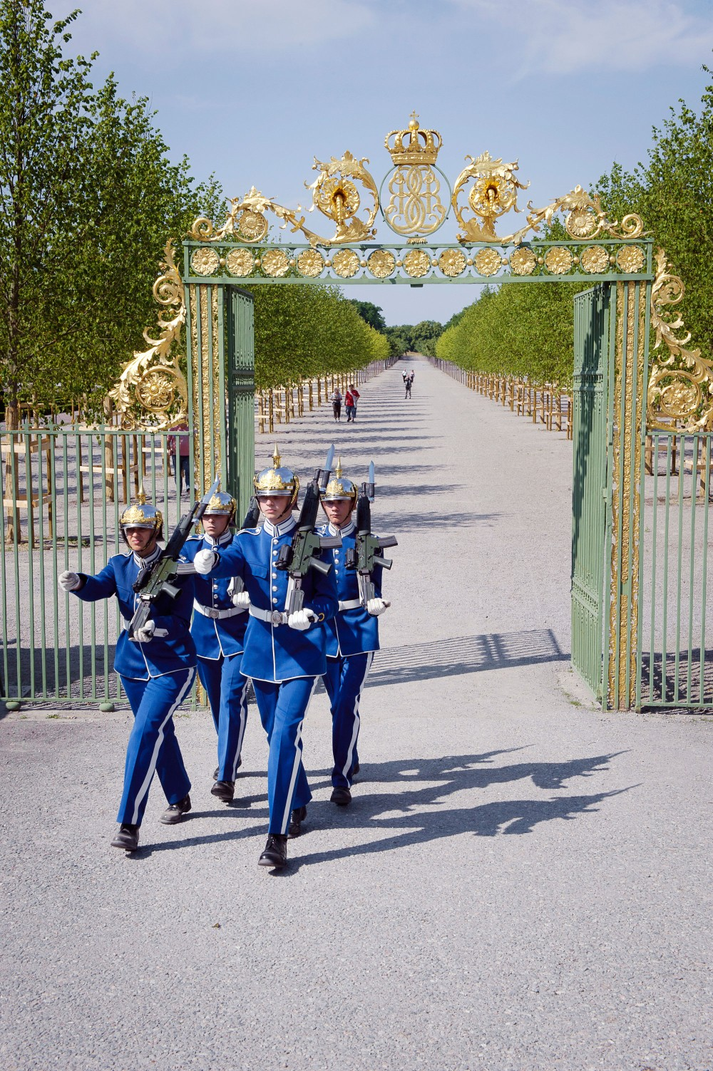 The park and gardens at Drottningholm have been developed in three stages, inspired by three main styles: the Baroque garden; the gardens around the Chinese Pavilion in the Rococo style; and the English Romantic landscape park. The Palace park, guarded by the Royal Guard, is open to the public all year round. – © Gomer Swahn