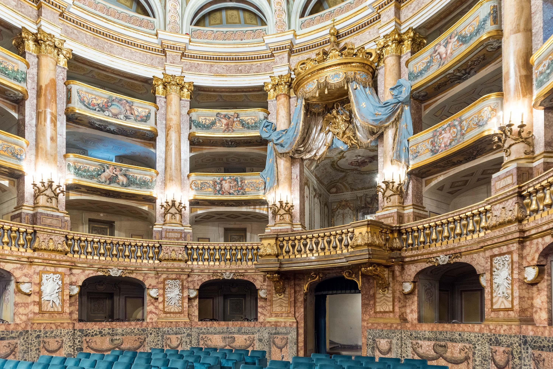 Charles de Bourbon a fait construire le palais royal comme centre de son nouveau royaume de Naples dans les années 1750. Ci-dessus: Teatro di Corte (théâtre de la Cour). – © Mariano De Angelis