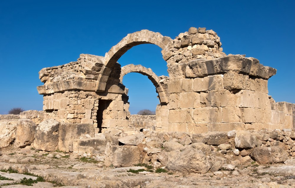 The ancient Roman city at Kato Pafos evolved over centuries after the decline of the empire. This Byzantine castle was built in the 13th century AD. – © anyaivanova / Shutterstock