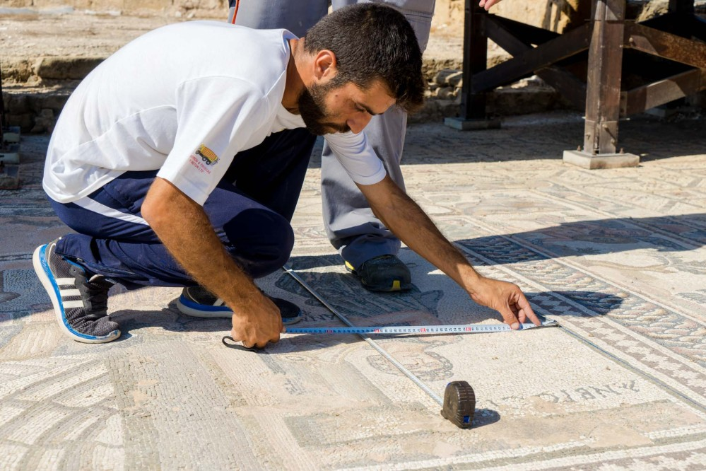 A plan of each mosaic is drawn up before conservation work begins. – © Michael Turtle