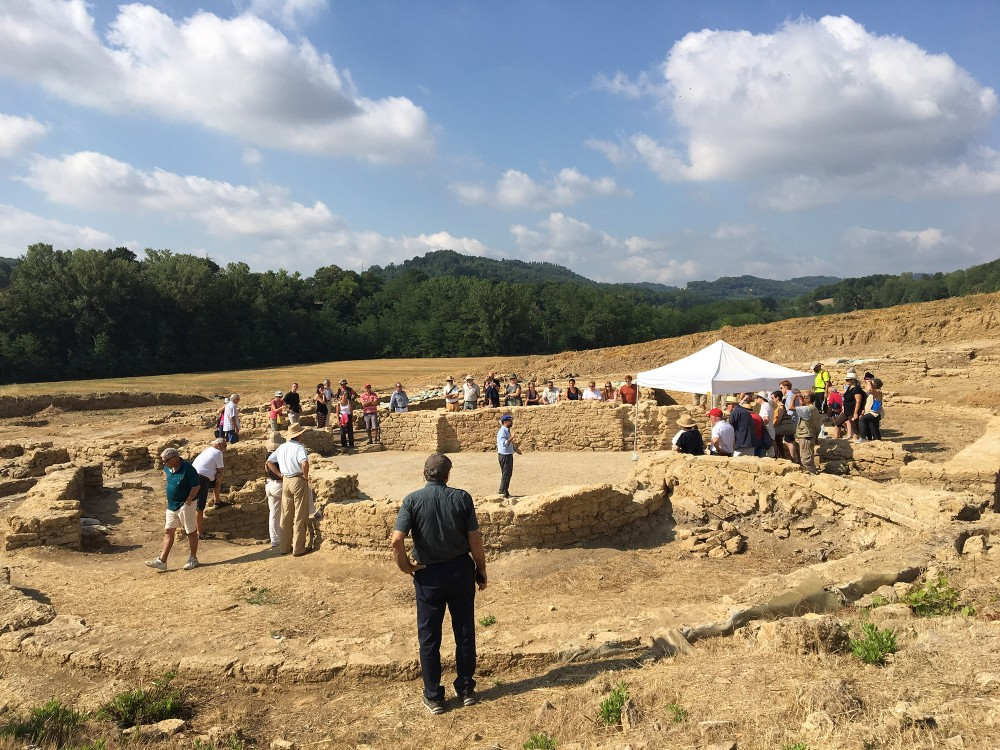 It's possible to visit the Roman Villa site during the summer. The Archaeological Museum in San Gimignano, with many pieces from the villa, is open all year.