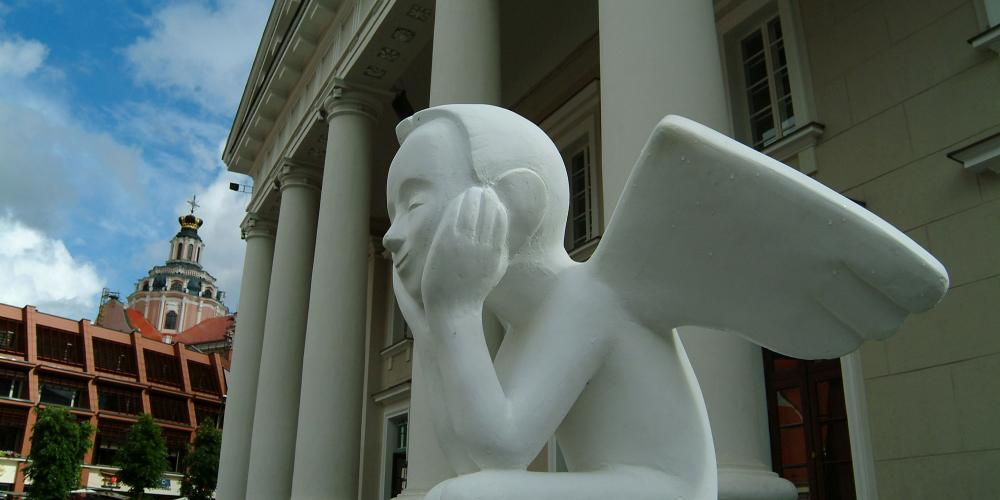 White angels—a Vilnius symbol—protect residents and visitors from trouble. – © www.vilnius-tourism.lt