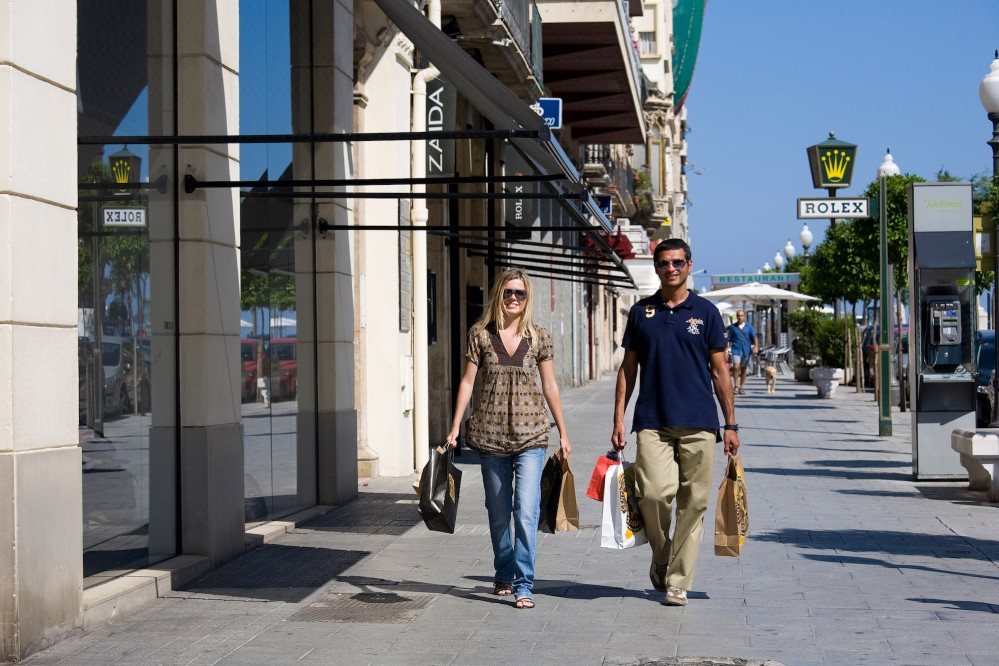 Shoppers can find all they need by simply strolling along Rambla Nova. – © Tarragona Tourist Board
