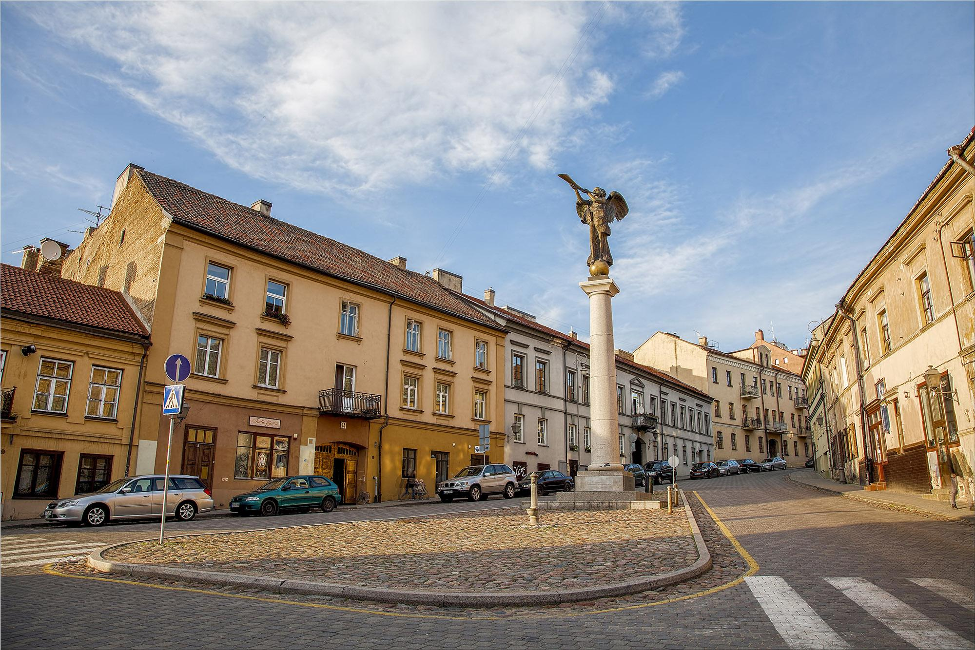 A sculpture of a bronze angel was placed in the central square of Užupis in 2002. It has become the district's symbol. – © Laimonas Ciūnys / www.vilnius-tourism.lt
