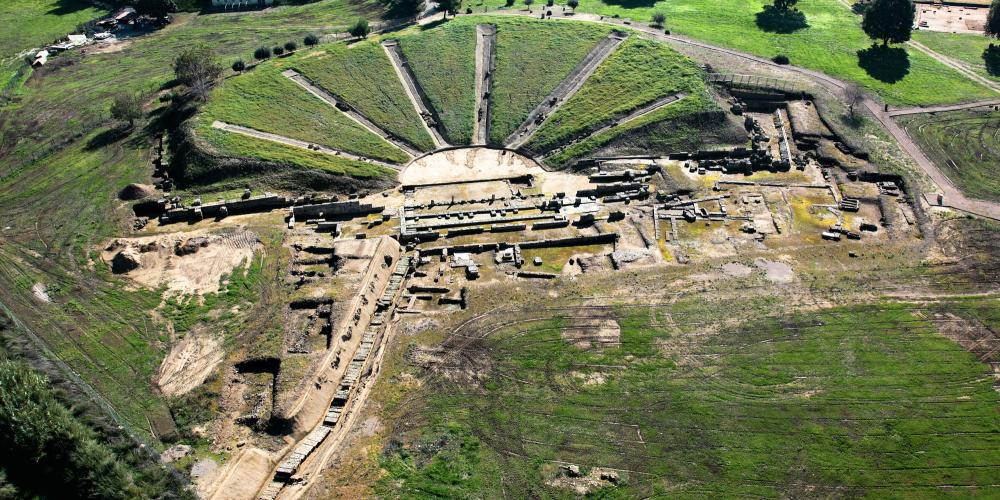The ancient theatre is one of many attractions at the archaeological site of Elis. – © Hellenic Ministry of Culture and Sports / Ephorate of Antiquities of Ilia.