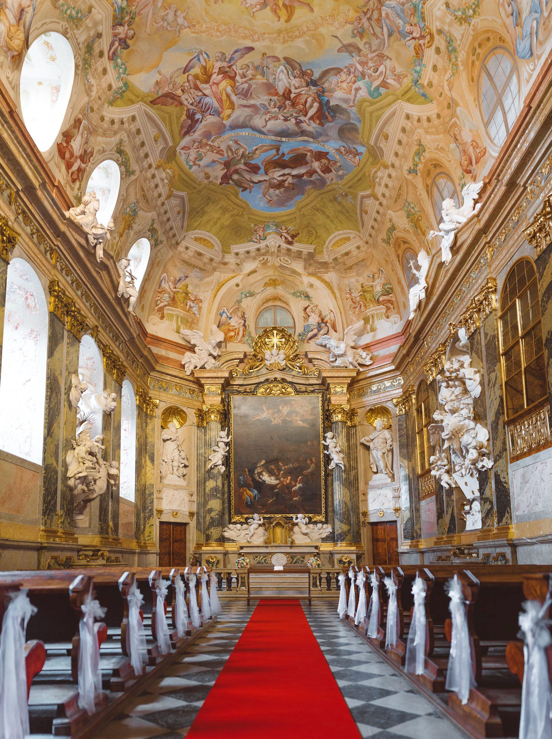 Valtice's unique, exquisitely decorated and well-preserved Baroque chapel from 1730 provides a splendid space for wedding ceremonies, both civil and religious. – © Jiří Wasserbauer