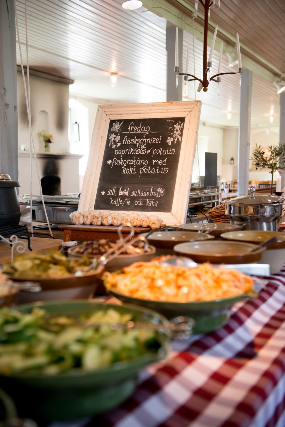 Enjoy a nice lunch, snack, or a cup of coffee with homemade cake while you are at Staberg Master Miner Estate. – © Jonas Lindgren