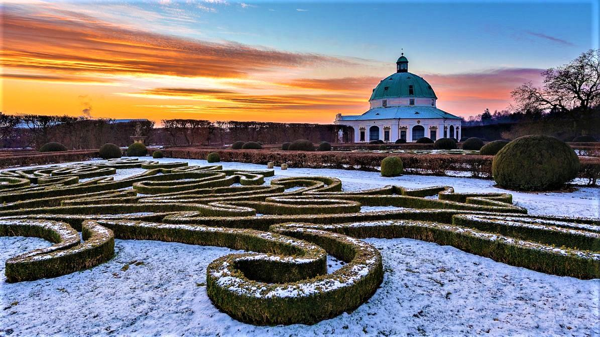 Both gardens - the Chateau Garden and the Flower Garden - are open to visitors all year round. You can, therefore, watch the changes on the nature during all seasons. - © Tomas Vrtal
