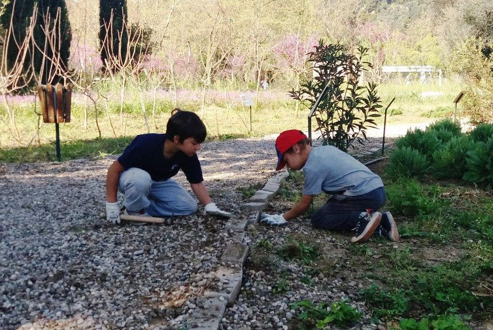 Children can also take part in a programme with the local community to get hands-on knowledge in the Olympic Garden. – © Nancy Spyropoulou