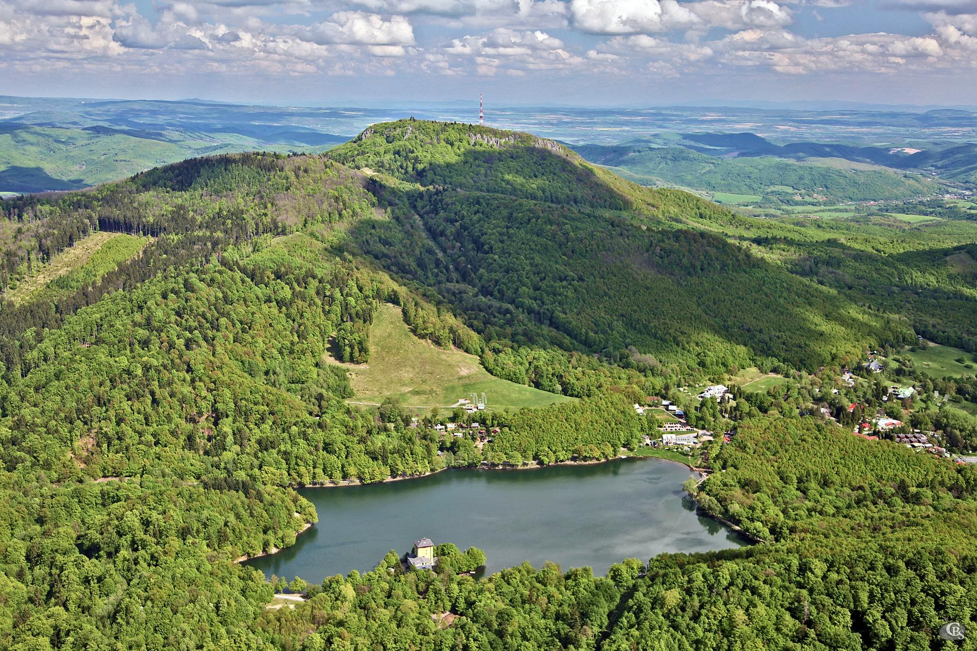Počúvadlo Water Reservoir is one of the most famous tajchs. It is located under Sitno Hill, the highest peak in the Štiavnica Mountains. . - © CBS