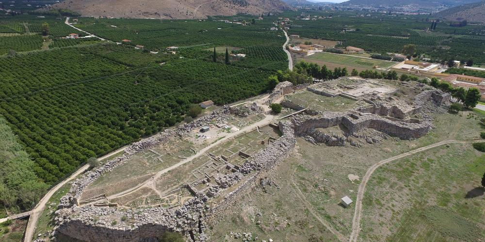 Locatedon the fertile Argolid plain,Tiryns liesbetween Nafplio and Argos in the eastern Peloponnese in Greece. – © Hellenic Ministry of Culture and Sports / Ephorate of Antiquities of Argolida