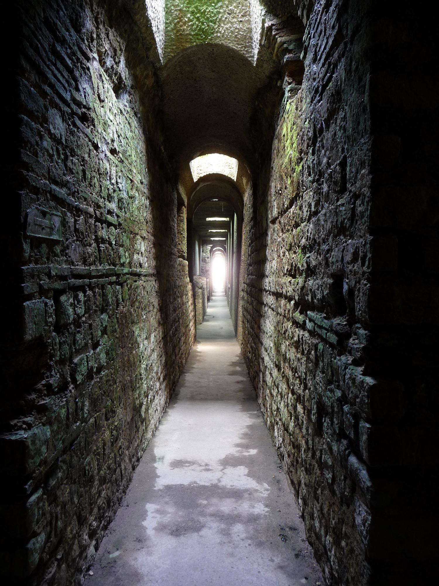 Visitors can explore the underground corridors of the baths. – © Thomas Zühmer