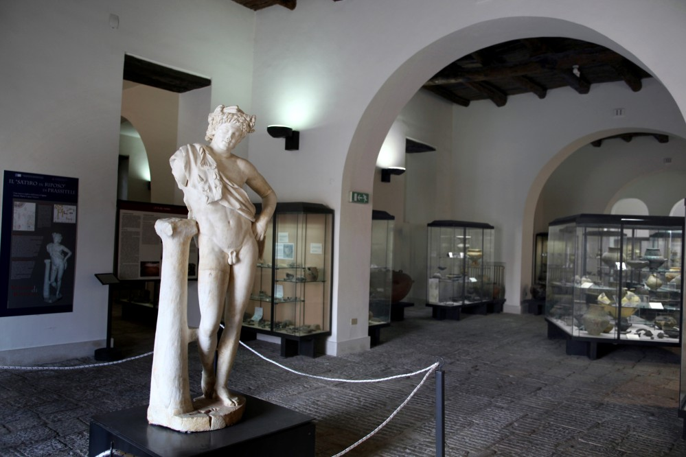 Internal view of the Museum of Ancient Capua, Roman statue of the Satyr at rest. – © Ortensio Fabozzi