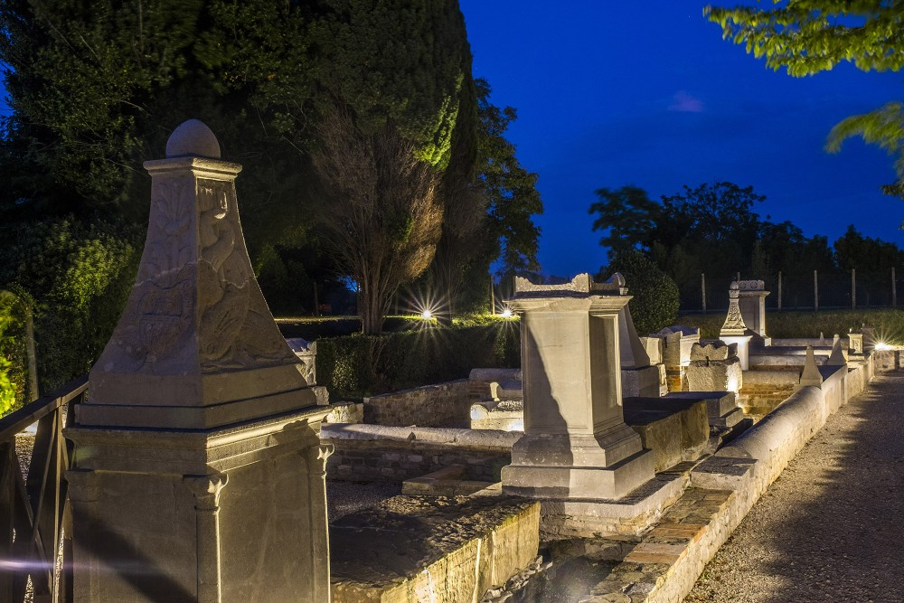 The Necropolis at night – © Gianluca Baronchelli
