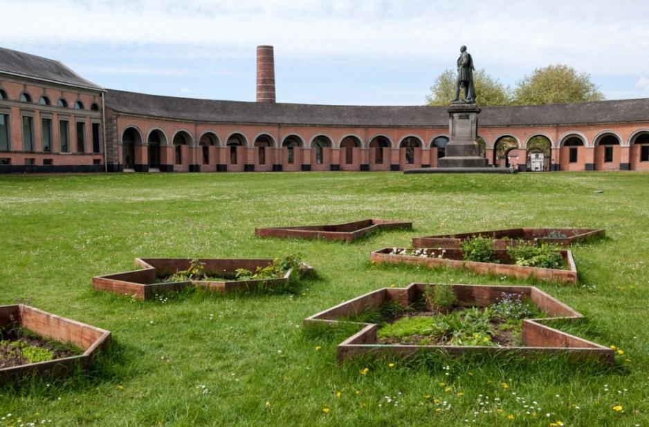"Contemporary art exhibit in the Grand Hornu courtyard (Jef Geys ""Quadra"" 29 April - 23 September 2018 – © Ph De Gobert"