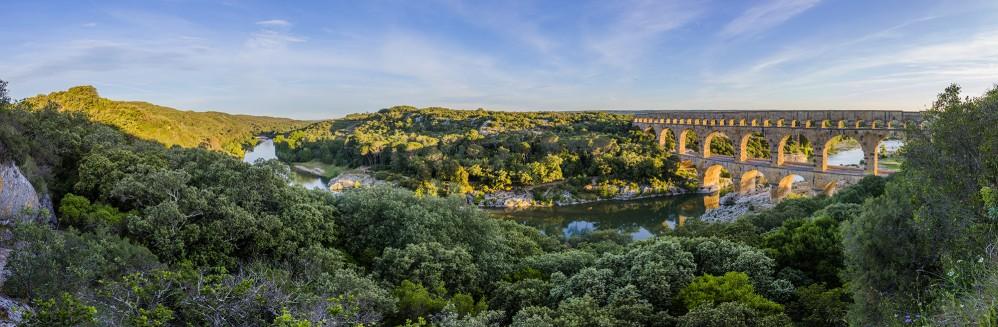 Vue panoramique du site du Pont du Gard, considéré comme l'un des aqueducs romains les mieux préservés et une construction ancienne incroyable. – © Aurelio Rodriguez