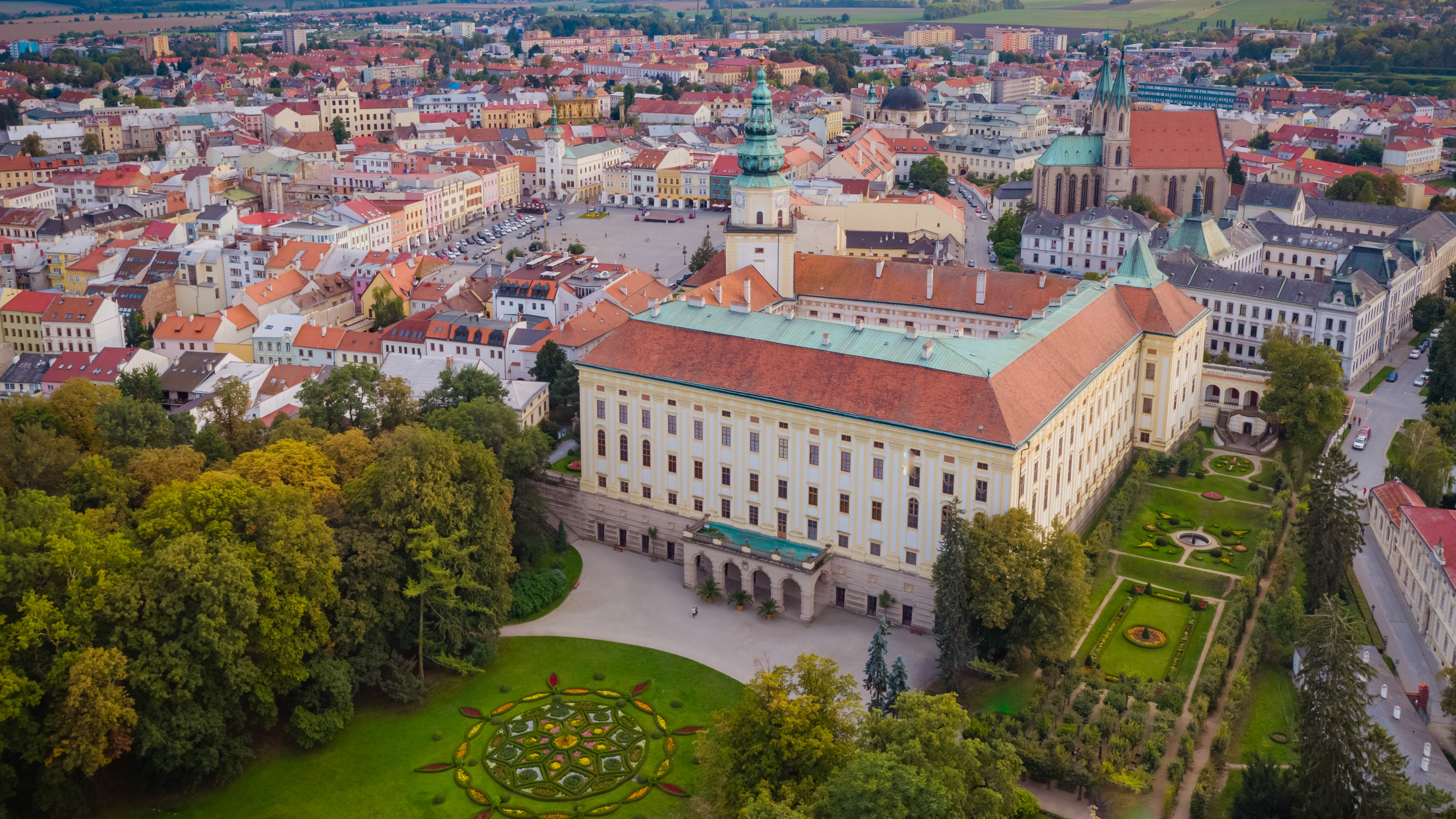 Today's appearance of the Archiepiscopal Castle dates to the 17th century, when Bishop Karl von Liechtenstein-Castelcorno renovated the building after the Thirty Year's War. Since then, the appearance of the Castle has changed only minimally. Today, the Castleand the Castle Garden dominate the entire town of Kroměříž. – © Archive of the Archiepiscopal Castle Kroměříž