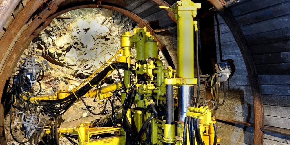 The Open Air Mining Museum presents the development in mining throughout the centuries. Modern mining technology includes various drilling machines that help miners to smooth their work. – © Lubo Lužina