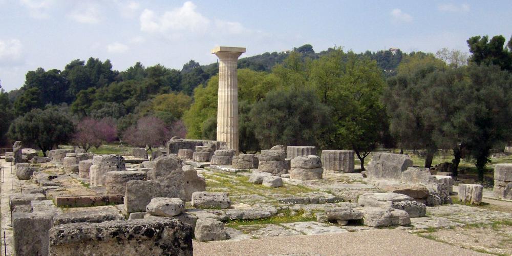 Le temple dorique de Zeus (476-457 avant JC) est célèbre pour ses splendides sculptures décoratives et la statue colossale du dieu, un chef-d'œuvre de Phidias. – © Hellenic Ministry of Culture and Sports / Ephorate of Antiquities of Ilia