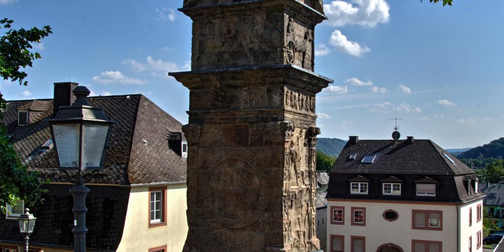 La colonne Igel est la plus haute colonne funéraire romaine au nord des Alpes, avec ses quelques 23 m de haut. – © Thomas Zühmer