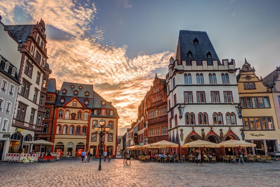 Historic House facades Main Market Trier Rhineland Palatinate Germany – © Romas_Photo.  https://www.shutterstock.com/image-photo/historic-house-facades-main-market-trier-722760013?src=igVed6CY0o_ikLXUG7k2fw-1-15