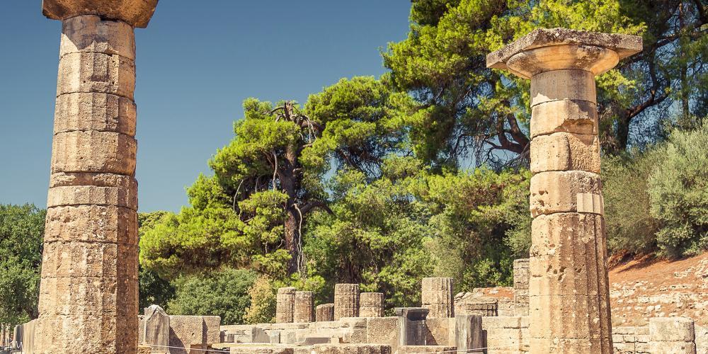 Ancient Ruins in Olympia. – © Natalia Evteeva / Shutterstock