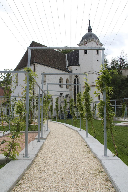 La Jardin des Méditations est une structure contemporaine qui repose sur l'ancienne configuration d'une ancienne Chartreuse. – © Anna Lun