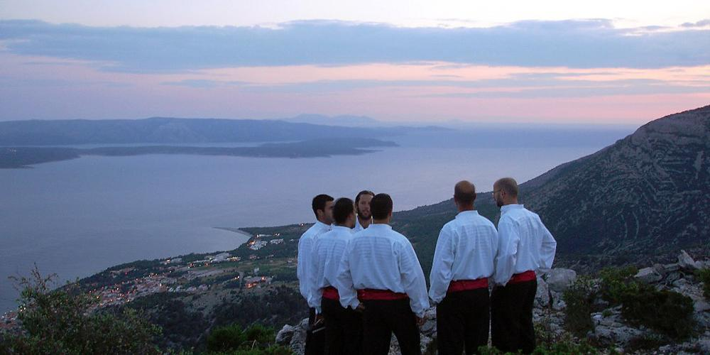 """The word klapa translates as """"a group of friends"""". – © Ministry of Culture"""