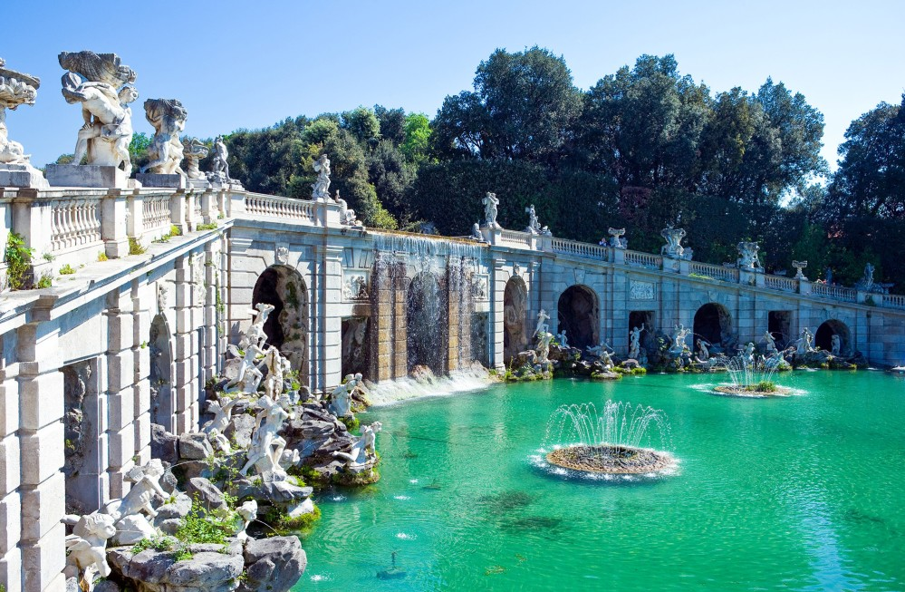 At Caserta, a chain of fountains and basins stretch out for more than three kilometres from the palace to a waterfall in the forest. – © Gimas / Shutterstock