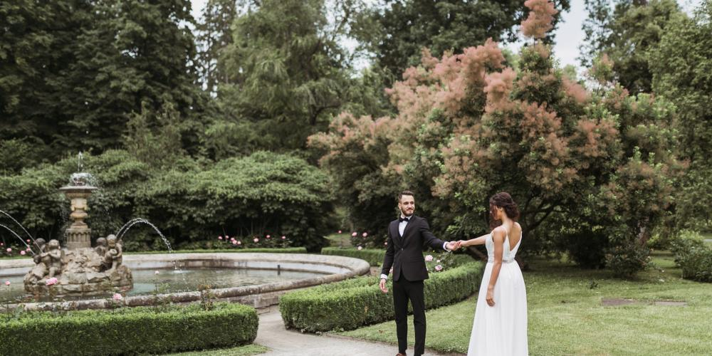 The Castle Garden is a perfect place for the wedding ceremony, don't you think? – © Sweet&Chic Svatba