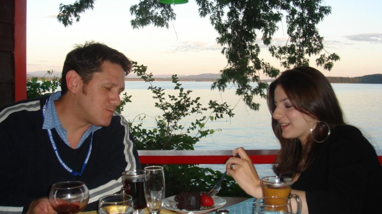 Normandie's Coco Cafe offers lakeside dining, breakfast, lunch and dinner.  Menu is varied. – Waldemar Kasriels