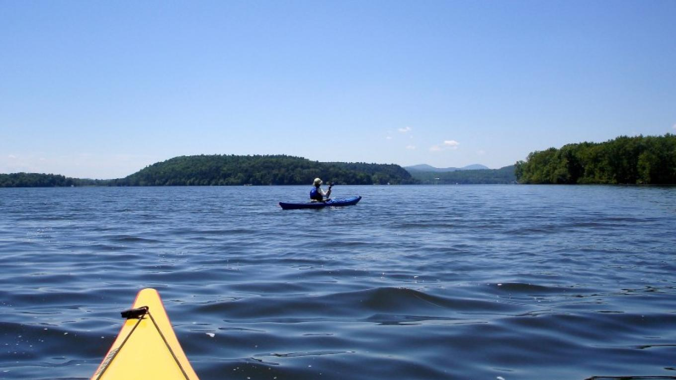 Approaching Fort Ticonderoga by kayak. – Courtesy of Cathy Frank